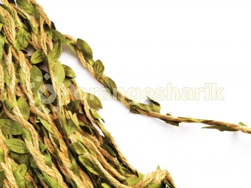 Тесьма косичка из МЕШКОВИНЫ с зелёными листочками