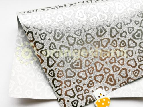 Блеск на тканом материале (рисунок сердце)