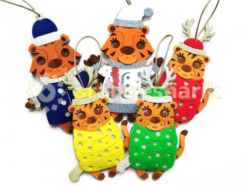 Игрушки на ёлку из фетра Тигры (комплект из 5 штук)